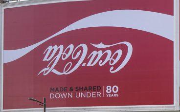 Foto: 80 years Coca-Cola Australia (Quelle: https://www.coca-colajourney.com.au/stories/coca-cola-australia-80th-birthday)
