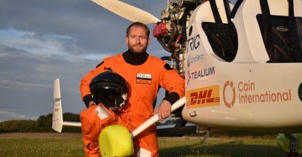 DHL unterstützt James Ketchell auf seinem Flug um die Welt (Copyright: DHL)