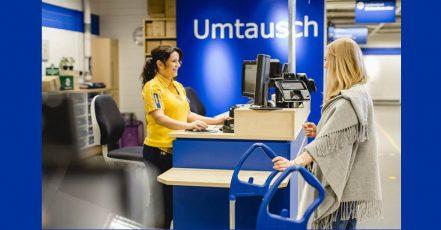 """Bild: IKEA kauft im Rahmen der """"Zweiten Chance"""" gebrauchte IKEA Möbel zurück . (Quelle: IKEA Deutschland / André Grohe)"""