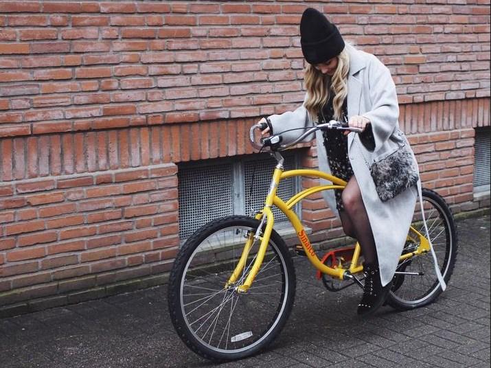 Bild: Jana Walter (@janasdiary)    Jana Walter bewarb für den Adventskalender ein Fahrrad mit Sinalco-Branding auf Instagram.