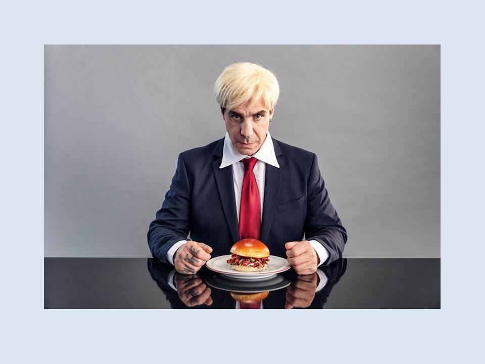 Bild: LikeMeat Till Lindemann Veganuary 2021 (Quelle: obs/LikeMeat GmbH)