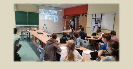 Mathematik-Workshop der NÜRNBERGER Versicherung (Foto / Copyrights: Gymnasium Ernestinum)