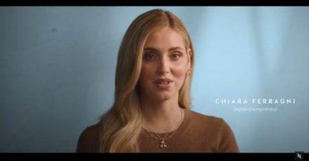 "Bild / Screenshot: Nespresso ""Made with Care"" Kampagne 2021 / Szene aus dem Kampagnen-Video (Quelle: https://www.youtube.com/watch?v=uEMW7QzTPzo)"