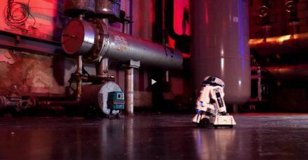Bild: Screenshot LEGO Erklärvideo. Mit LEGO Star Wars(TM) BOOST spielend programmieren lernen - Interview mit Senior LEGO Designer Jan Neergaard Olesen (Copyright: The LEGO Group. Quelle: presseportal.de)