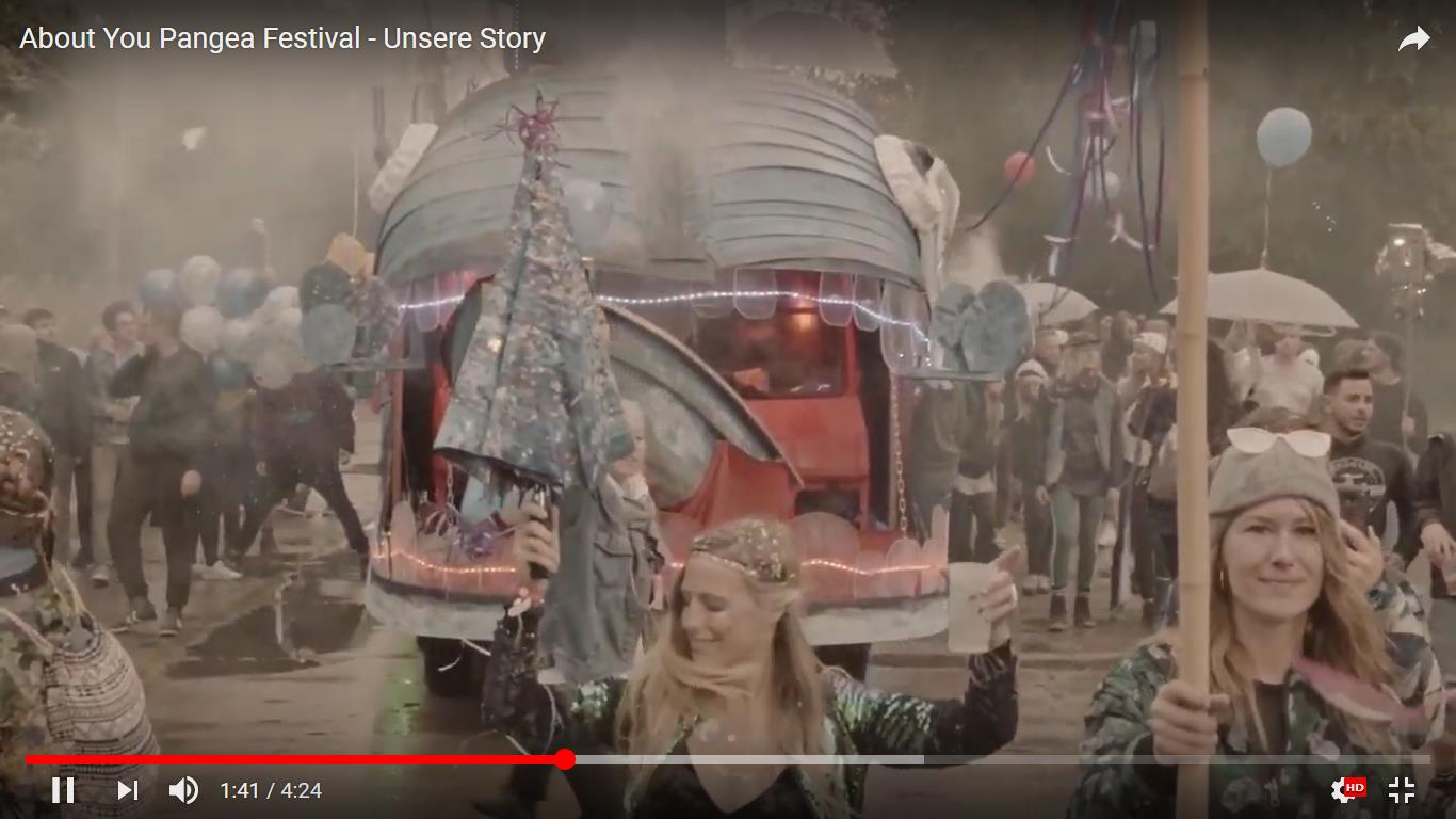 Screenshot: Video 'About You Pangea Festival - Unsere Story'  https://www.youtube.com/watch?v=dmP5sPZlacE