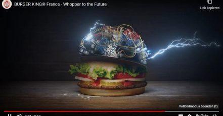 "Screenshot: Szene aus dem ""Whopper to the Future""-Video von BURGER KING Frankreich (Quelle: Youtube https://www.youtube.com/watch?v=3sf8stCrpZI&feature=emb_logo)"